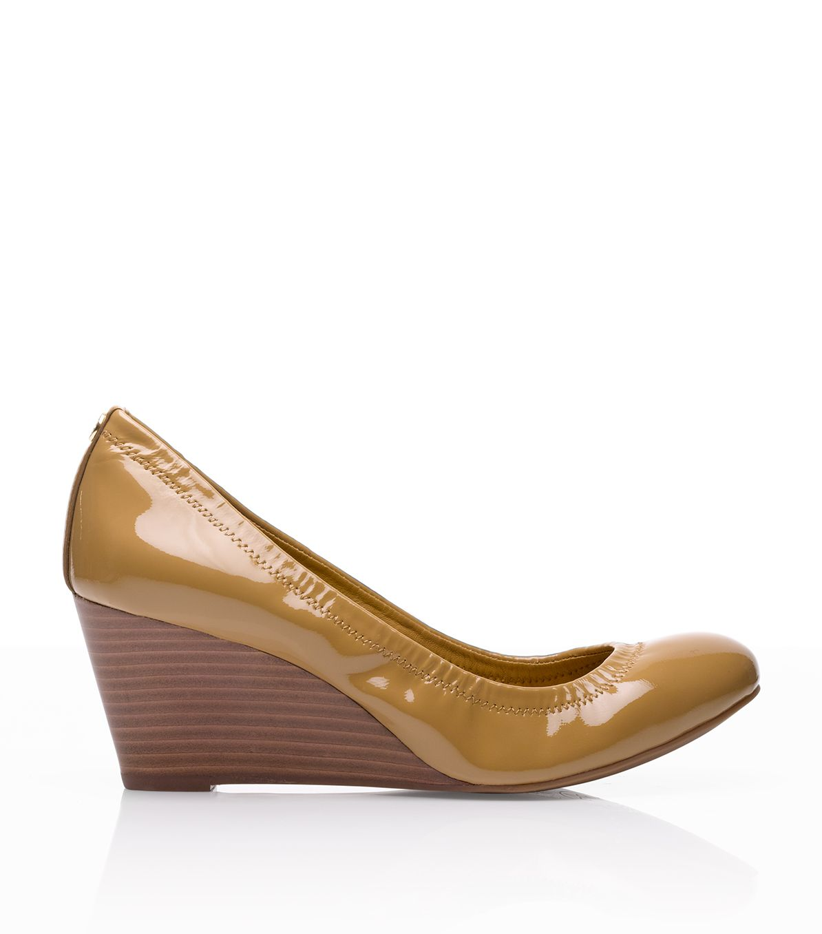 89df1bbb64c21 Lyst - Tory Burch Patent Leather Eddie Wedge in Natural