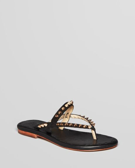 Matt Bernson Thong Sandals Love Spike Flat In Black Black