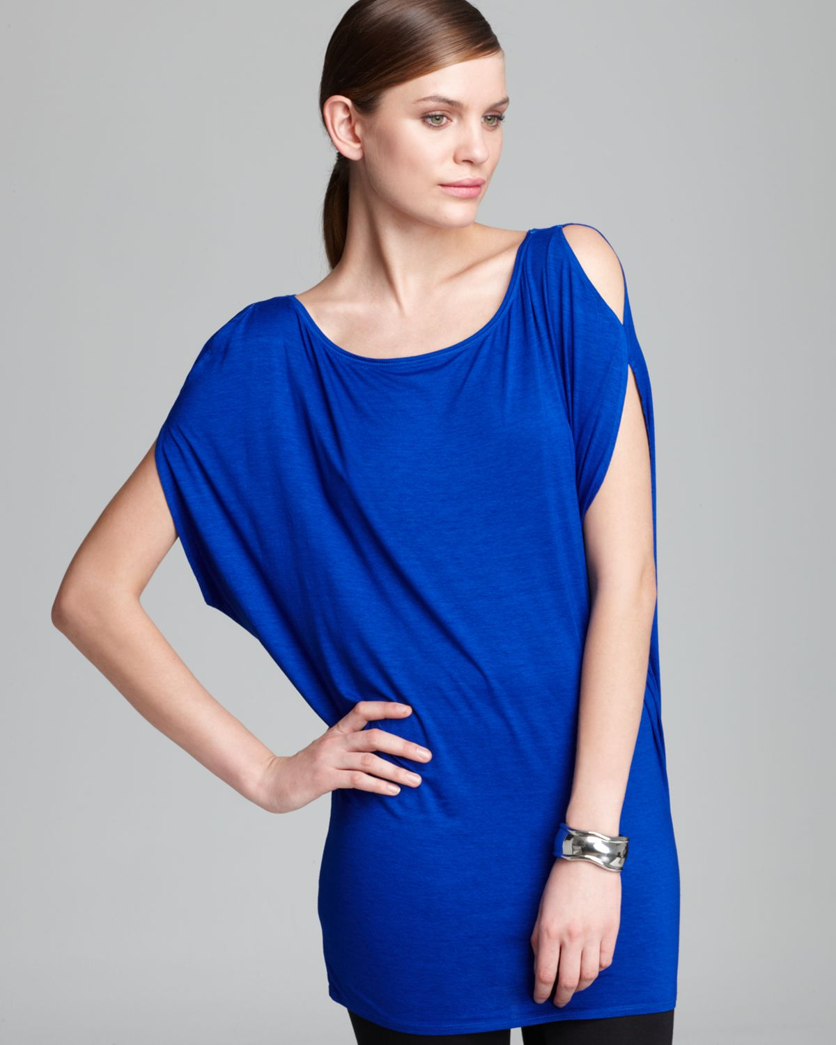 Three Dots Cold Shoulder Tee Shirt In Blue Surf Blue Lyst