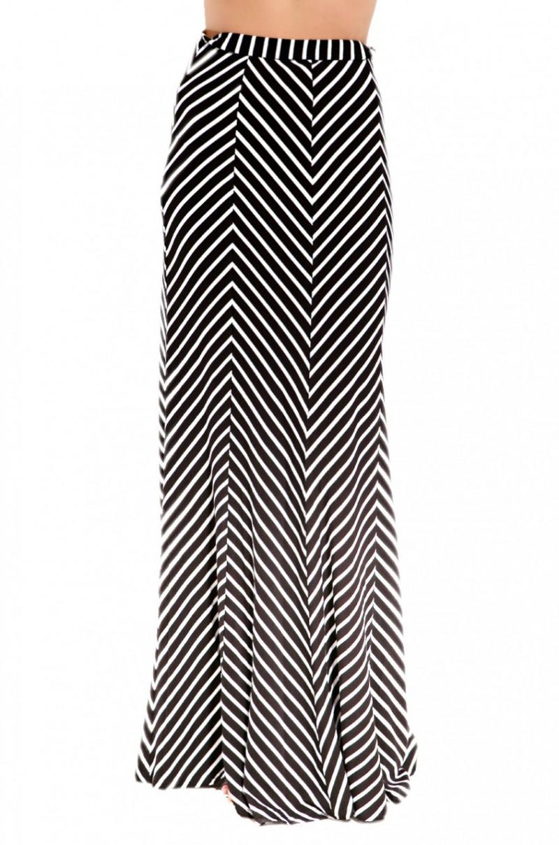 chevron maxi skirt in white black white lyst