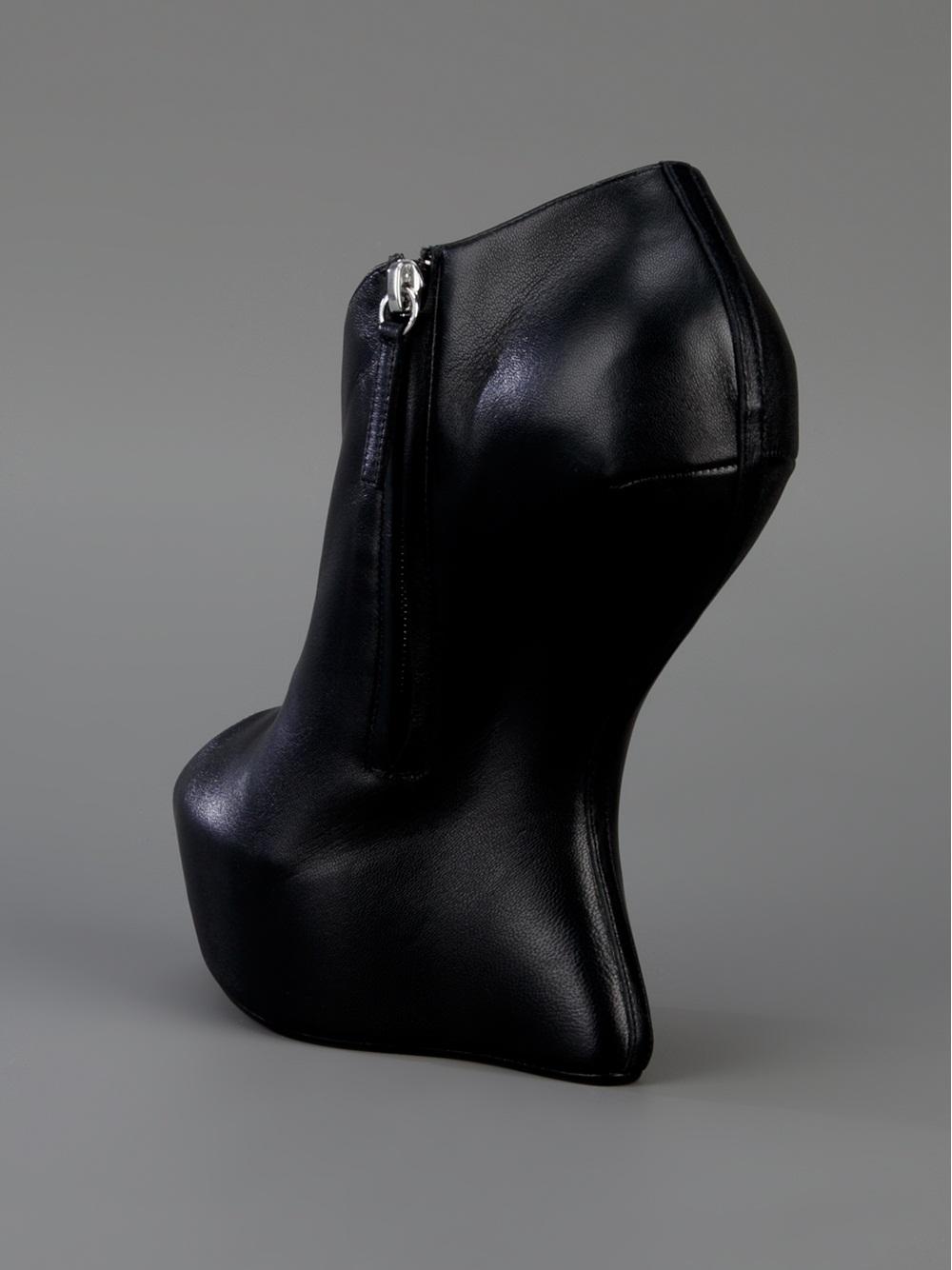 e52b041b0370 Lyst - Giuseppe Zanotti Sculpted Wedge Bootie in Black