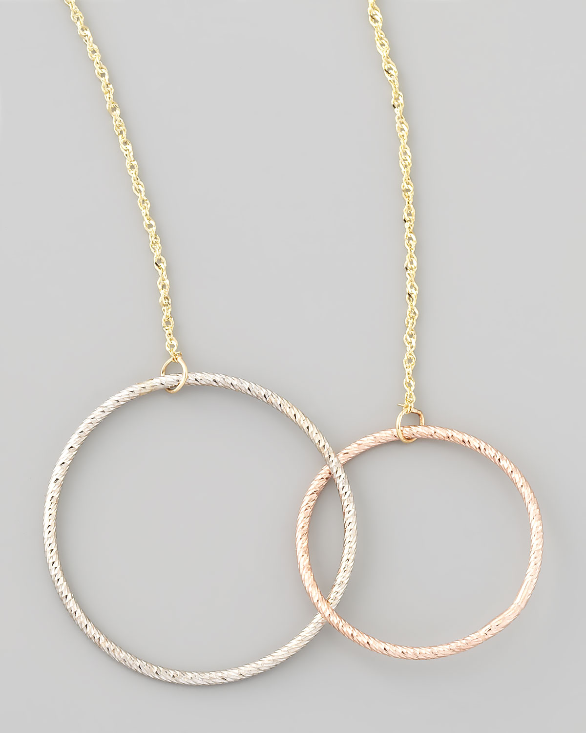 jewelry magnetic two circle necklace in metallic lyst