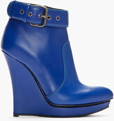 mcq by mcqueen blue leather slim wedge biker