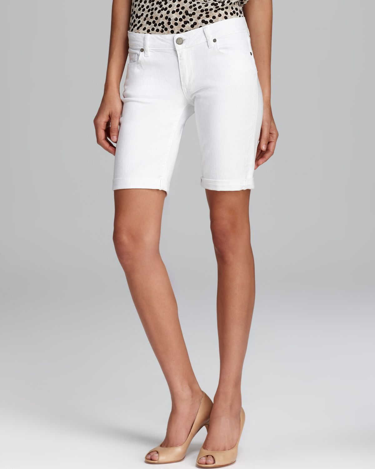 Paige Shorts Jax Knee in Optic White in White | Lyst