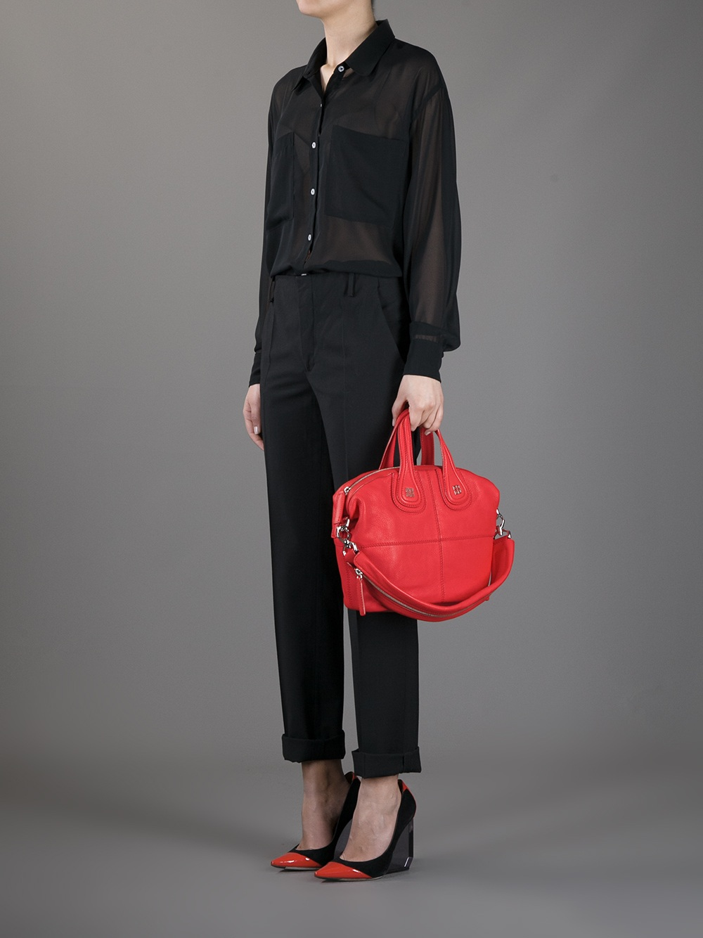 447eba27ea49 Gallery. Previously sold at  Farfetch · Women s Givenchy Nightingale  Women s Shopper Bags ...