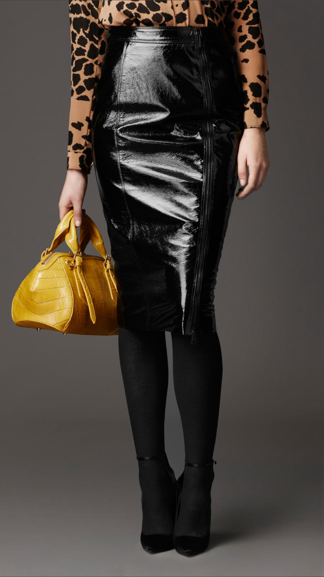 Burberry Patent Leather Pencil Skirt in Black | Lyst