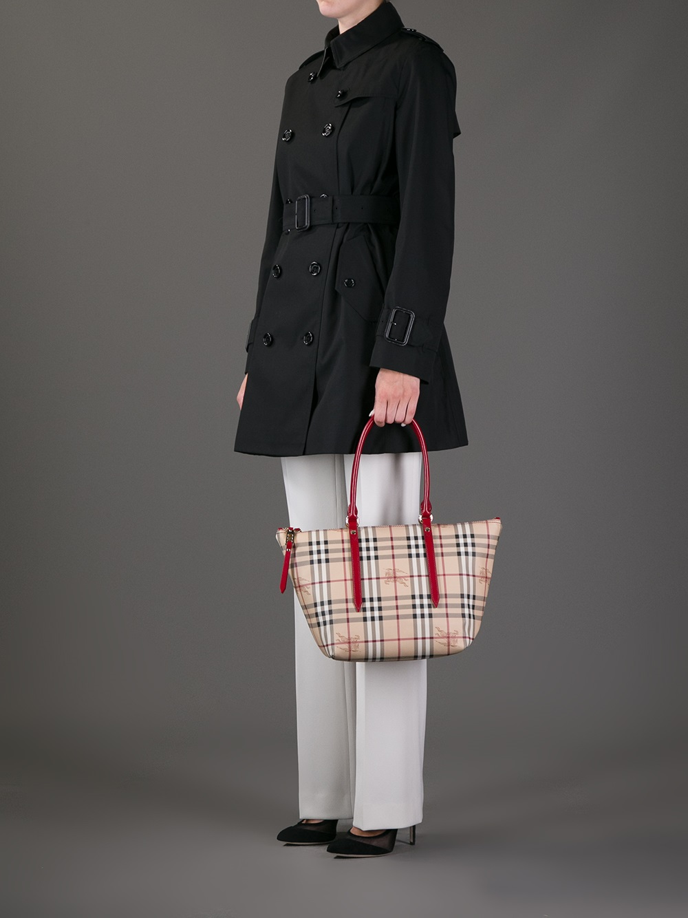 Burberry Checked Tote Bag in Beige (Natural)