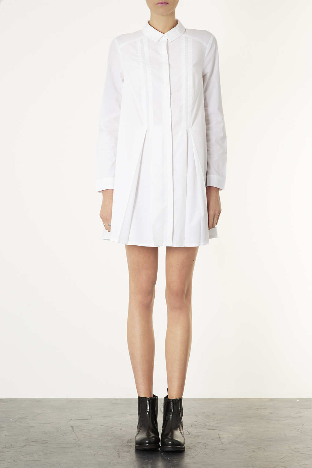 Lyst topshop pleated shirt dress in white for Black pleated dress shirt