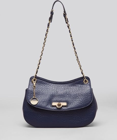 Dkny Shoulder Bag Beekman French Grain Flap in Blue (Navy)