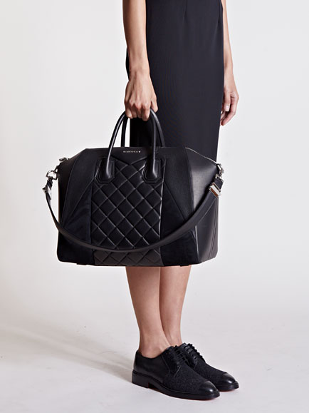 4f2376ffa2 Lyst - Givenchy Large Quilted Antigona Bag in Black