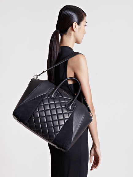 98d6aa53cb Lyst - Givenchy Large Quilted Antigona Bag in Black