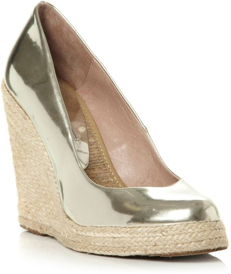 Pied A Terre Aina Metallic Wedge Court Shoes In Gold Lyst