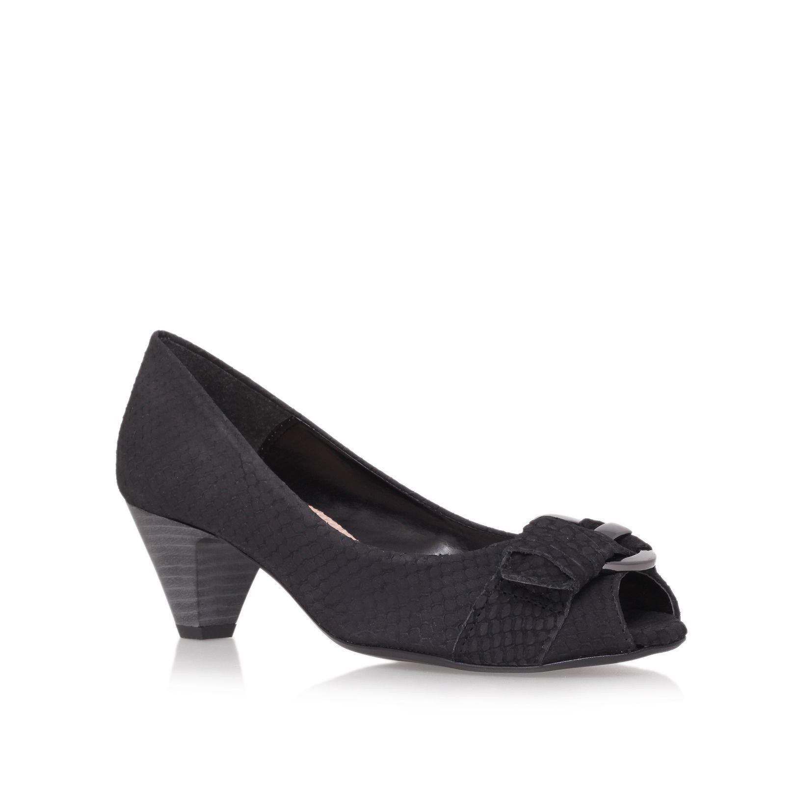carvela kurt geiger adelle court shoes in black lyst