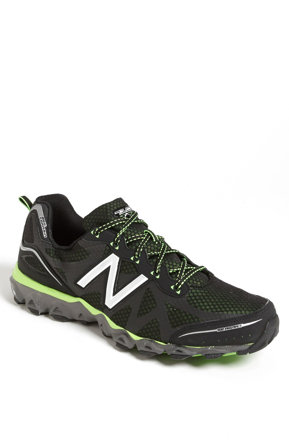 new balance 710 trail running shoe in black for black