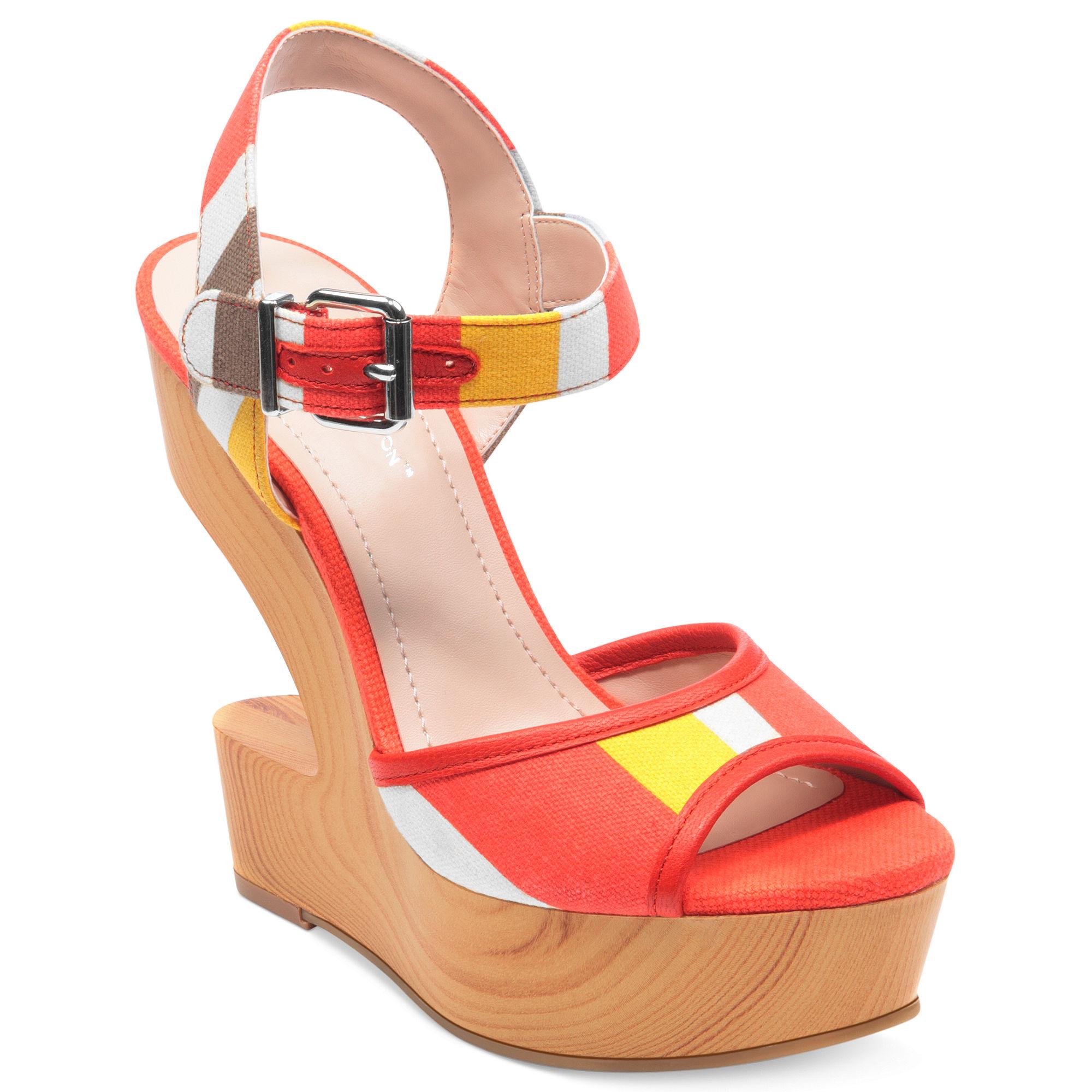 10 Super Stylish Sandals for Women