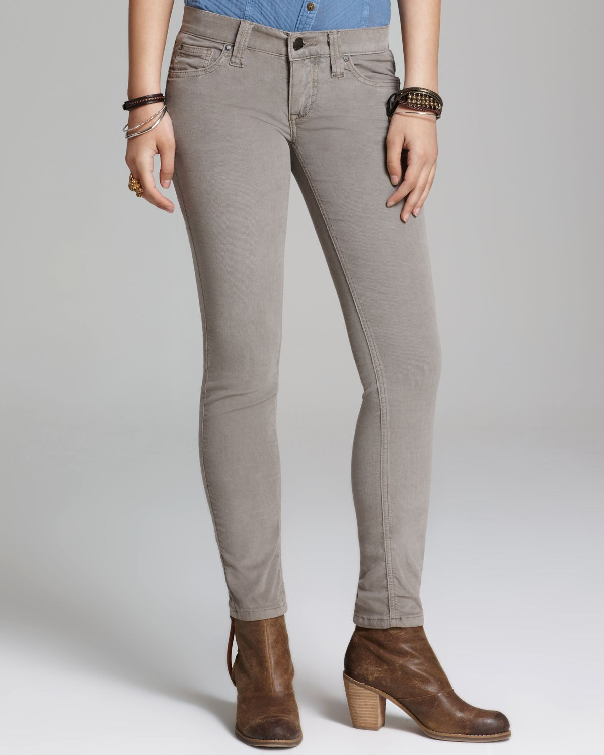 There's nothing better than a perfectly fitting pair of classic, blue jeans. Enter NYDJ's Barbara Bootcut, which comes in Premium Denim in a rich, azure wash that gives you a vintage, all-American vibe, without sacrificing the innovative, shaping properties of NYDJ's signature Lift Tuck Technology.