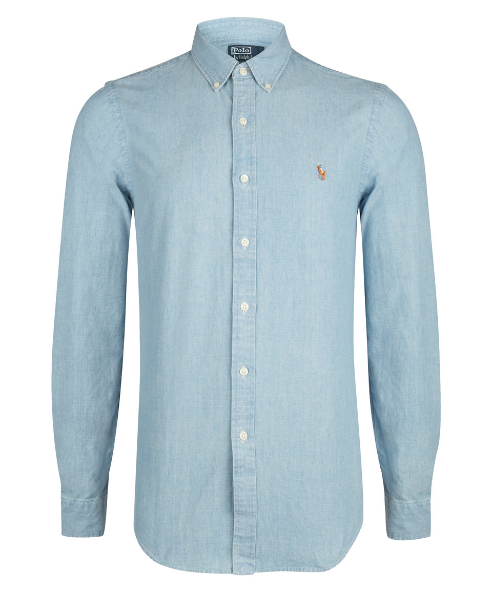 From light to deep blue, discover denim shirts in traditional styles like button-downs featuring classic or modern detailing. What to wear with a denim shirt? Think of a denim shirt as a neutral—you can wear it with almost anything with it.