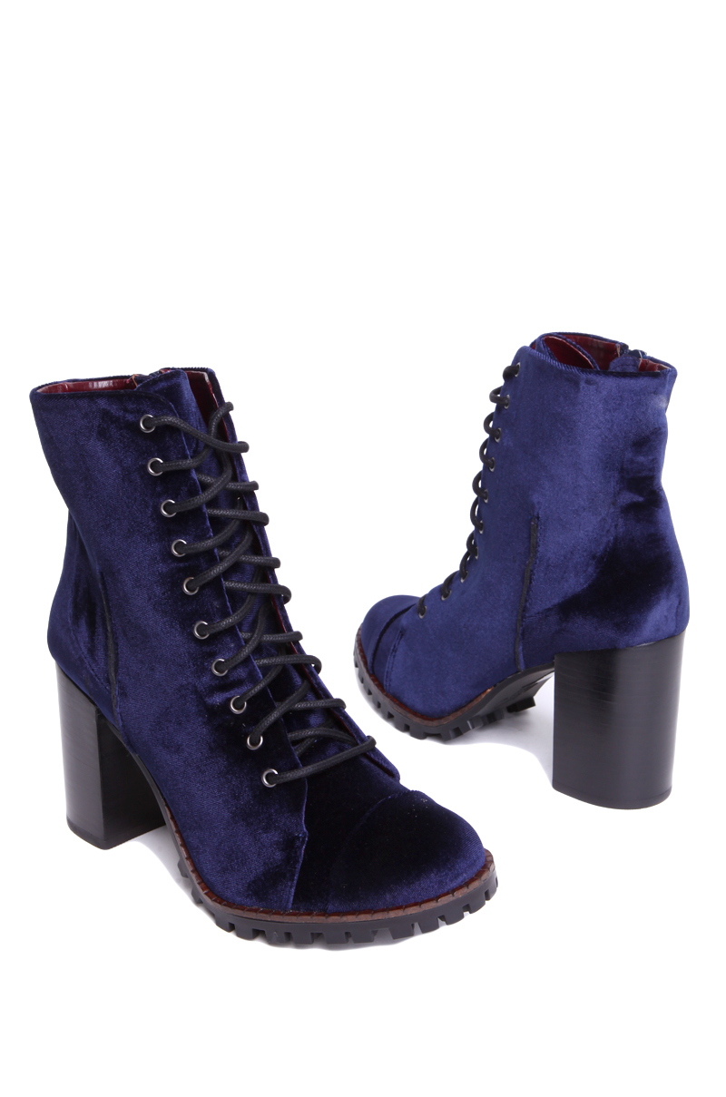 Report Allon Lug Botton Boot in Navy in Blue