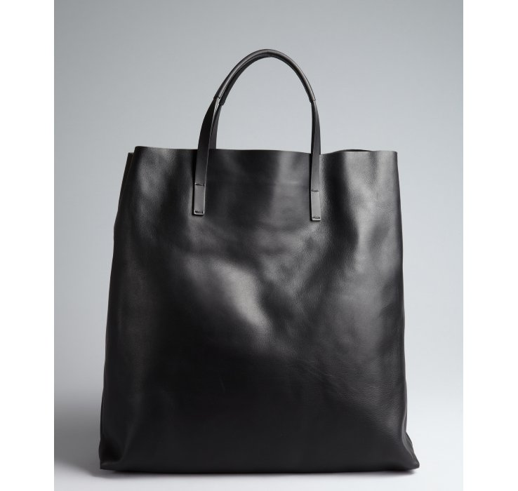 442891aba2f Gucci Black Leather Horsebit Tasseled Oversize Tote in Black - Lyst