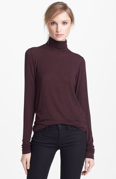 Vince Turtleneck in Purple (Chestnut Red)