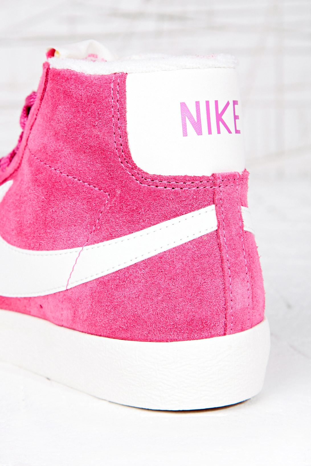 hot pink nike blazers