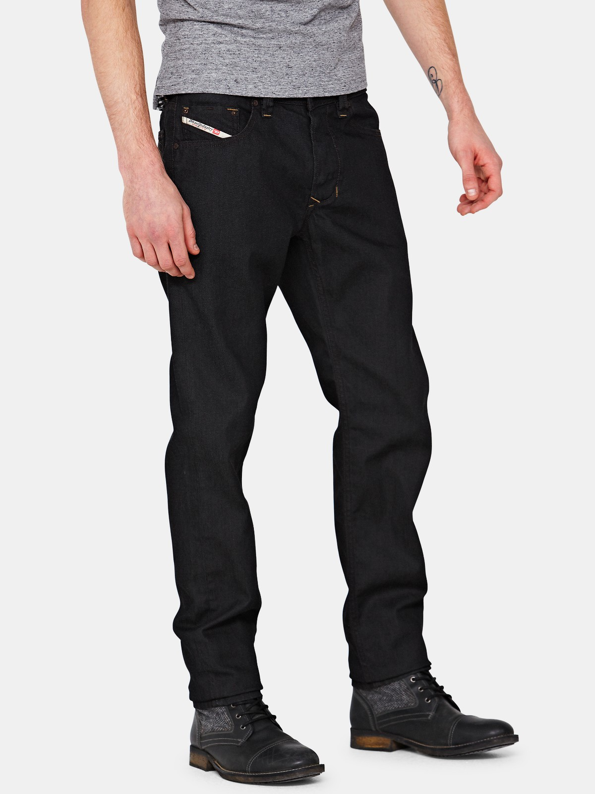 Shop for men's tapered leg jeans at kumau.ml Next day delivery and free returns available. s of products online. Buy men's tapered leg jeans now! Diesel® Black Z Belther Tapered Fit Jean. £ Diesel® Light Wash 84UX Buster Tapered Fit Jean. £ Diesel Dark Wash 69BM Larkee Beex Regular Tapered Fit Jean.