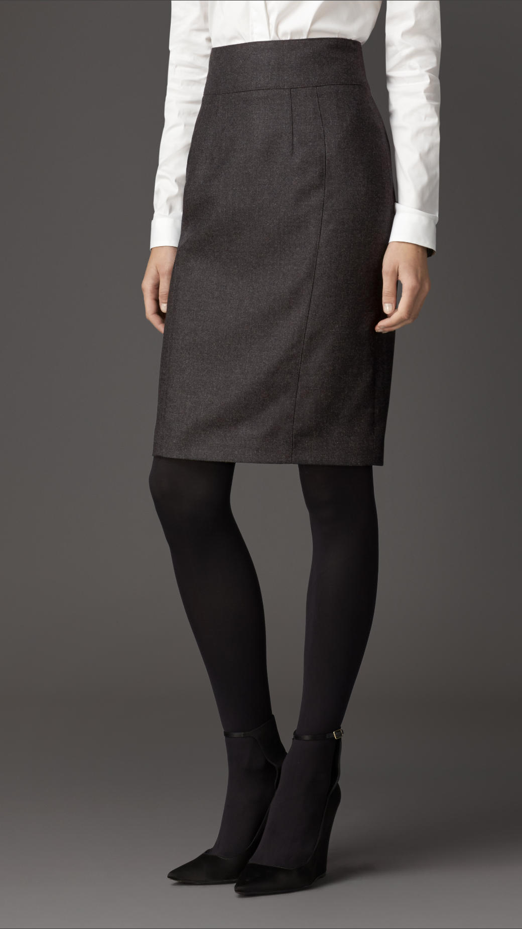Burberry Micro-check Wool Flannel Pencil Skirt in Gray | Lyst