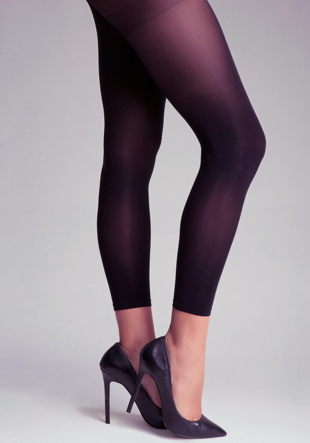 realeskorte latex tights