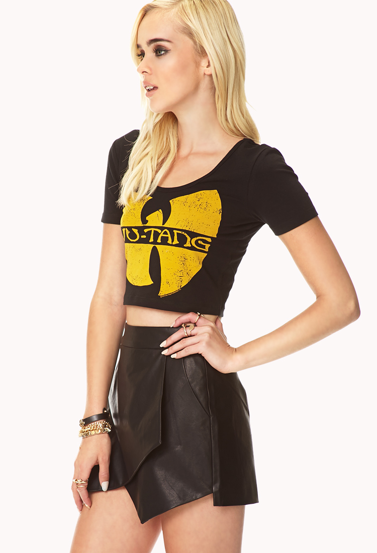 472a523fadc Forever 21 Retro Wu-tang Crop Top in Black - Lyst