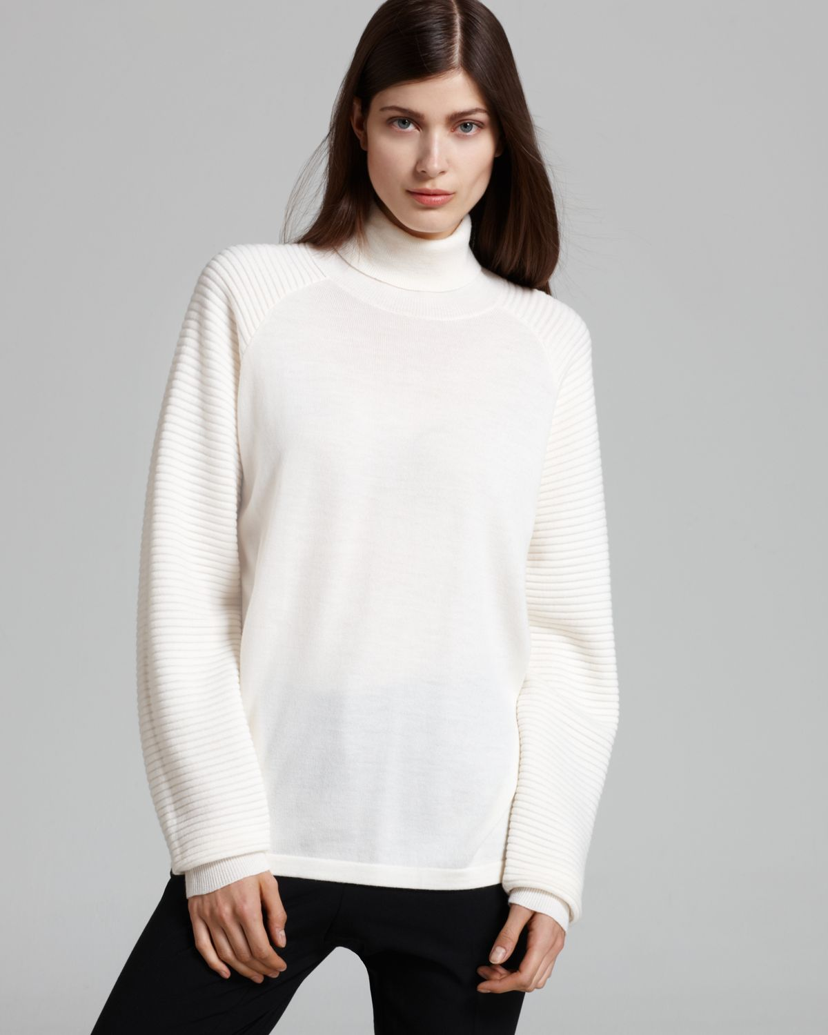 Theory Sweater Rylin Turtleneck in White | Lyst
