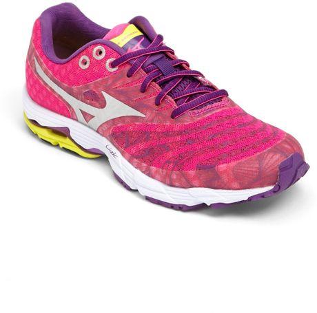 mizuno wave sayonara running shoe in pink pink purple