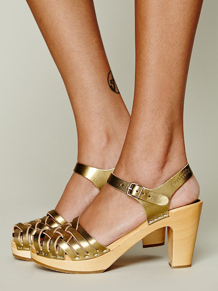 Swedish Hasbeens Dalsland Clog In Gold Lyst