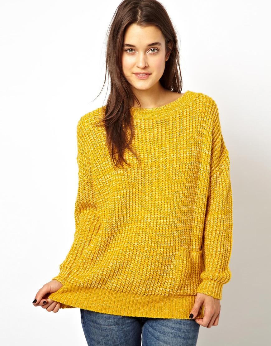 Mustard | Sink into the silky softness of this exquisite polo neck jumper. The mix of pure cashmere and merino wool, makes this sumptuous polo sweater a dream to wear. And as it comes in a wide range of colours, it will suit all your wardrobe separates. This cashmere and merino polo neck jersey is knitted to flatter your figure. No wonder this cashmere and merino roll neck jumper is one of.