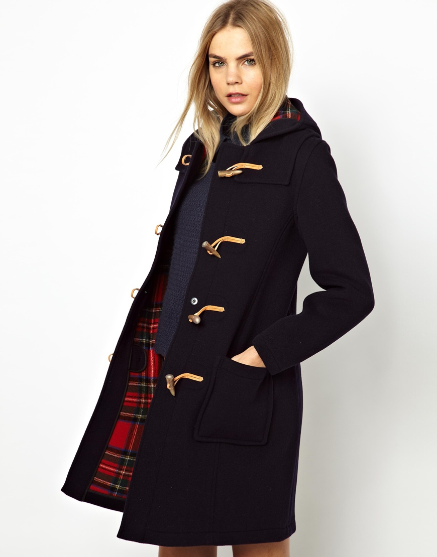 Shop men's coats from Burberry, from trench coats and duffle coats, to top coats and pea coats in wool, cashmere and technical fabrics.