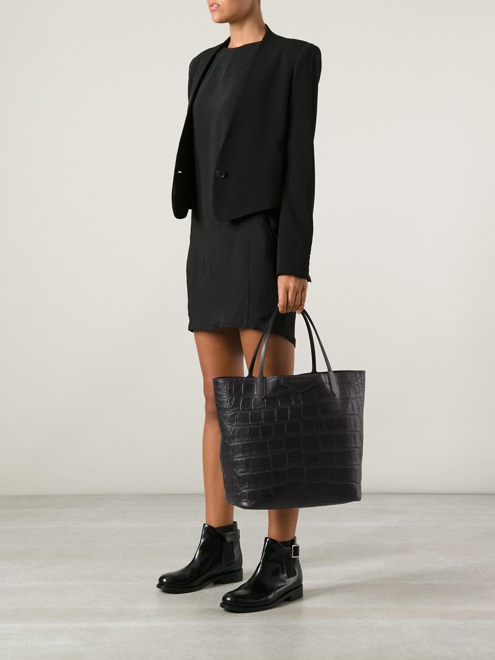 1faf79717d36 Lyst - Givenchy Antigona Large Shopping Tote in Black