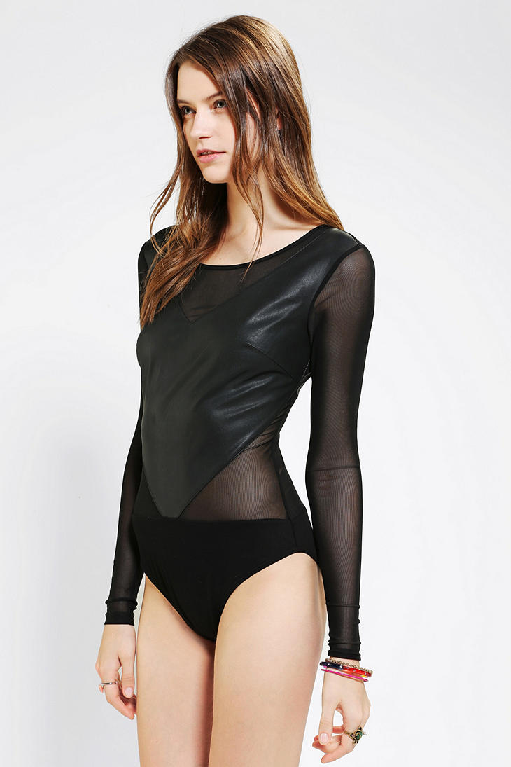 GoJane carries bodysuits in soft, comfortable fabrics and a variety of colors that allows you to wear them just like a basic T-shirt, but we also offer unique sheer and mesh bodysuits if you're looking to get a little bit more daring.