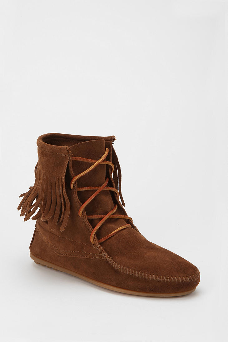 minnetonka trer ankle boot in brown lyst