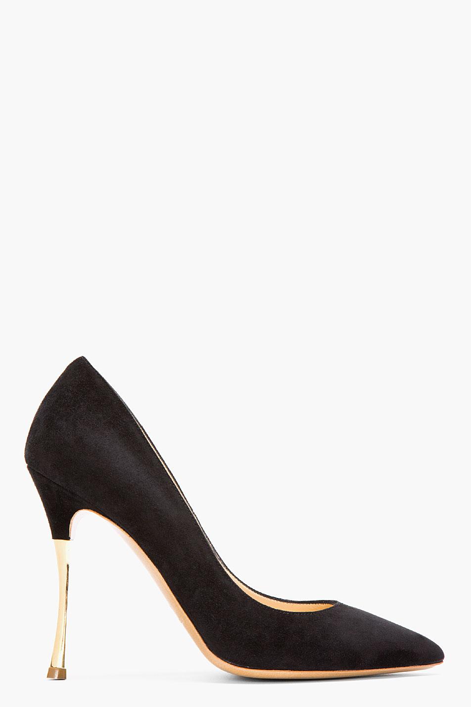 Black Pumps Gold Heel