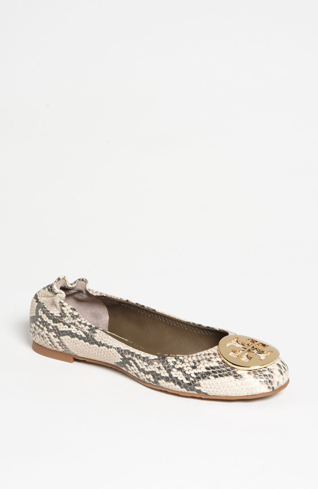 The Tory Burch Reva flat is an iconic ballet flat that doesn't go out of style. The Reva flats feature the unique Tory Burch double-T logo. Reva flats are definitely a wardrobe essential for the woman who loves flats.