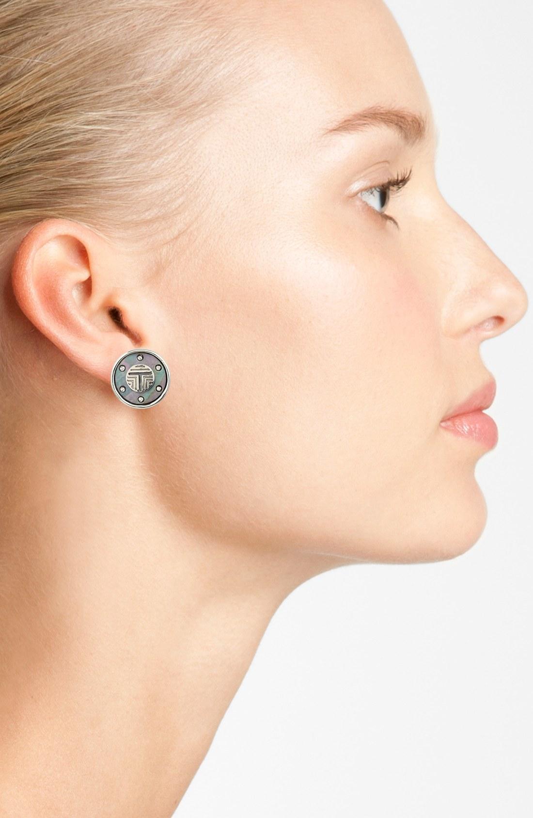 Tory Burch Wren Frete Logo T On Stud Earrings In Gray Lyst