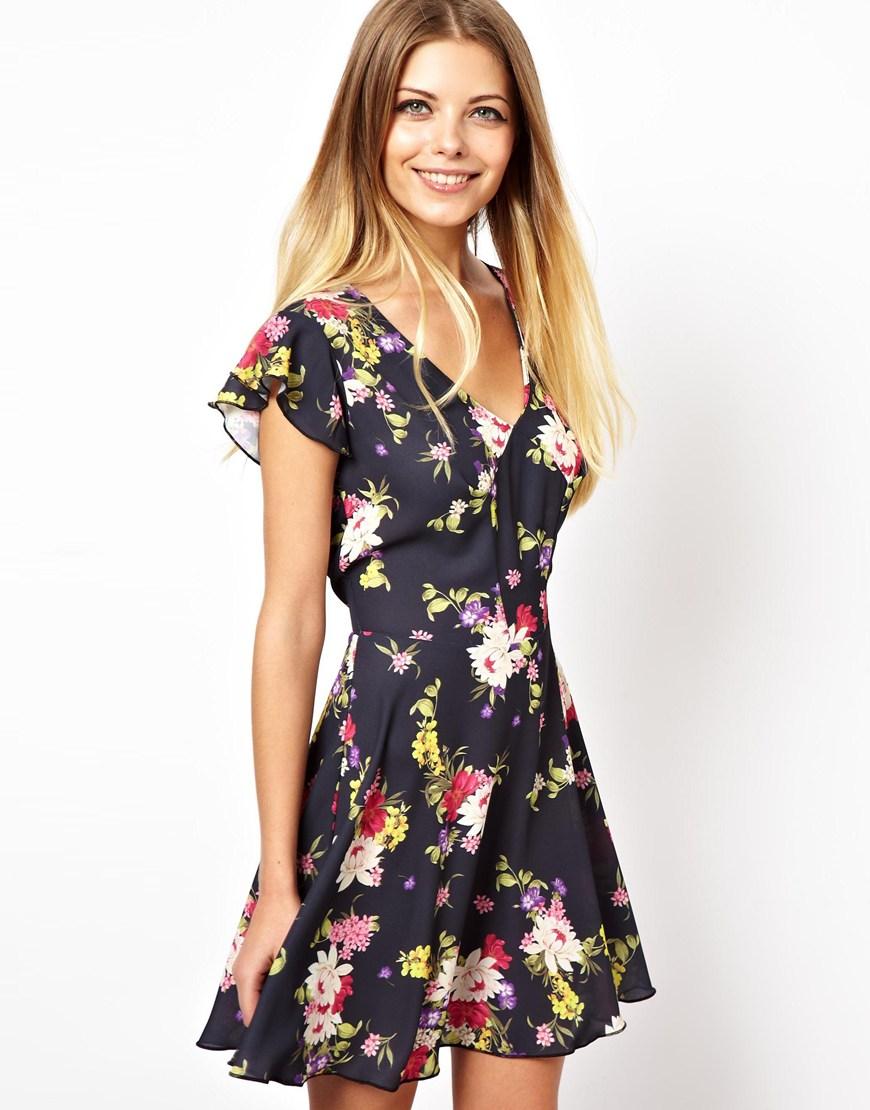 Robe Fleurie Asos Love Skater Dress In Pretty Floral Lyst