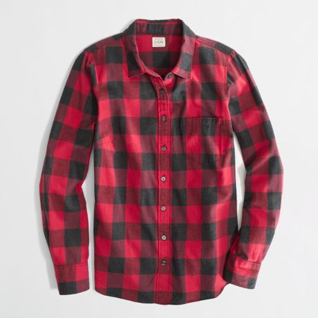 Factory classic buttondown shirt in flannel in red for Red buffalo flannel shirt