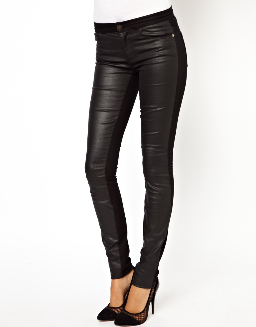 black coated jeans from Gap are a fashion favorite for a stylish look. Find black coated jeans in the latest designs and the hottest colors of the season.