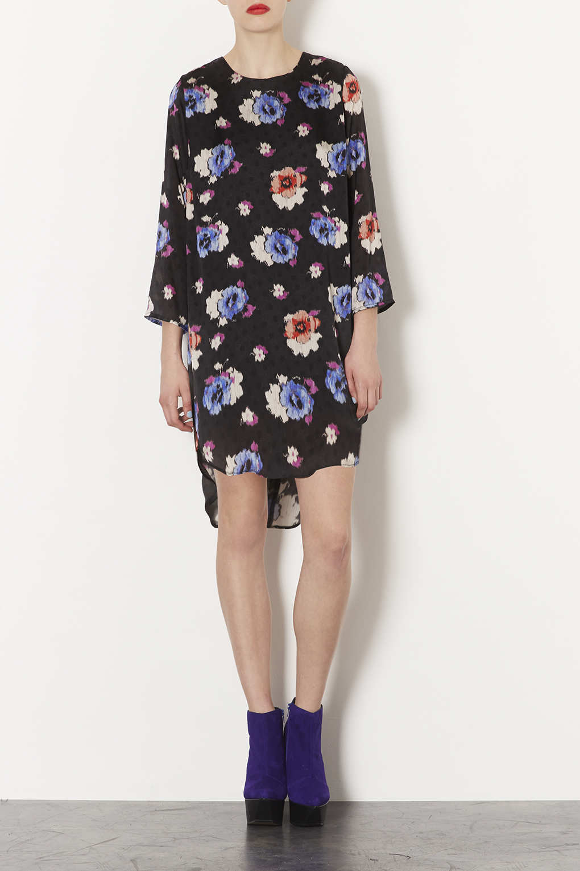 d772fe0debd TOPSHOP Spot Floral Tunic Dress in Black - Lyst