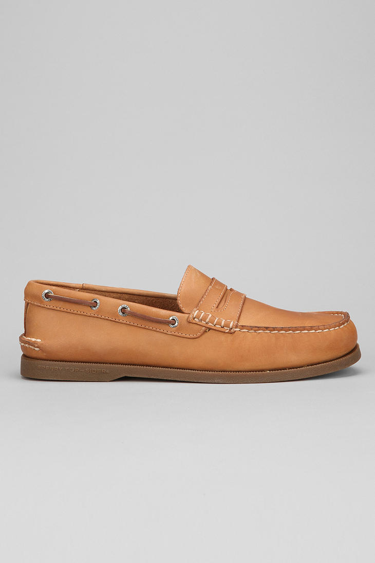 1b5e7618bc6 Lyst - Urban Outfitters Sperry Top-Sider Original Penny Loafer in ...