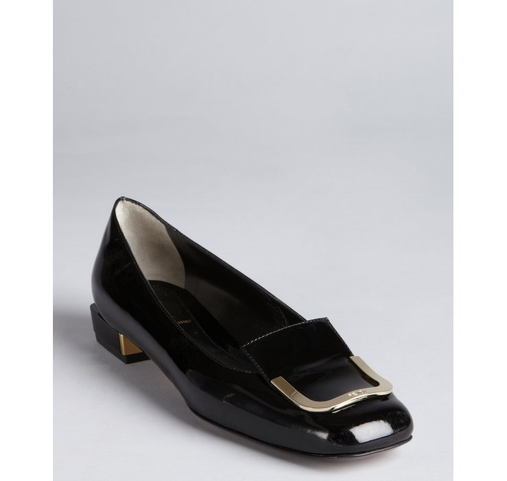 Fendi Black Patent Leather Gold Buckle Tipped Low Heel Pumps in ...