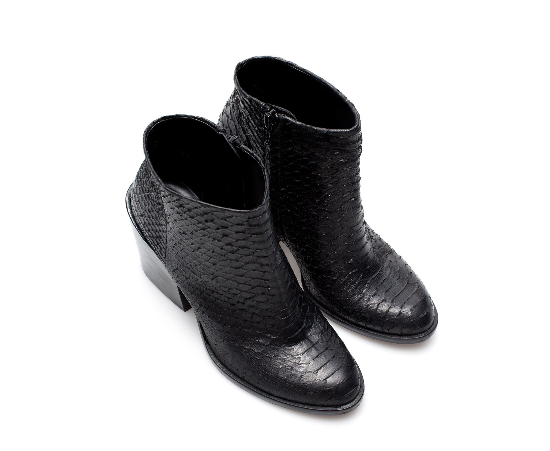 Zara Embossed Leather Ankle Boot in Black | Lyst