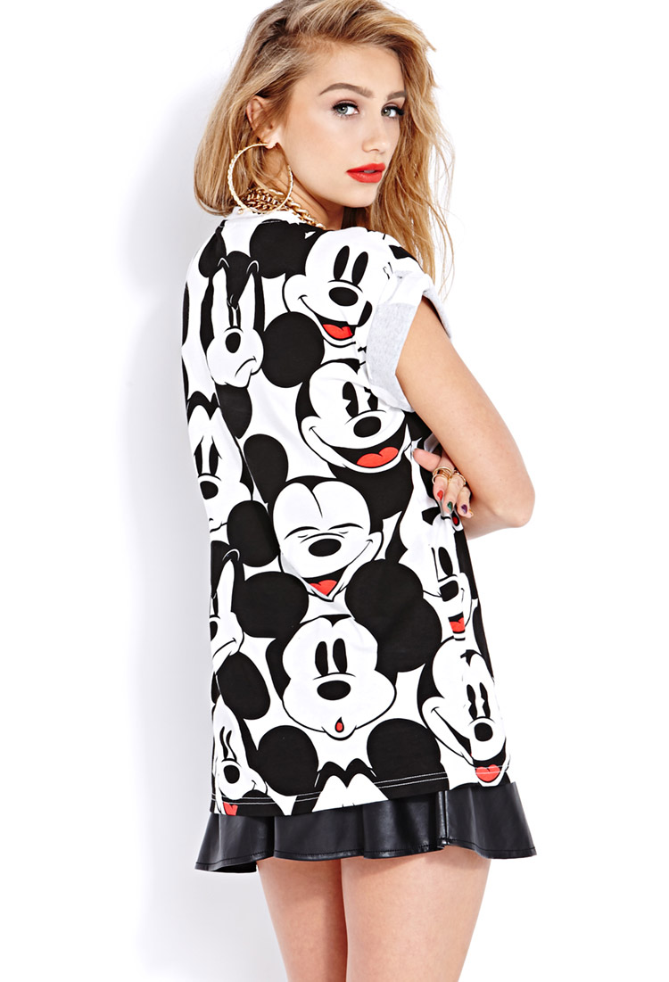 055010090e6 Lyst - Forever 21 Oh Mickey Tee in Black