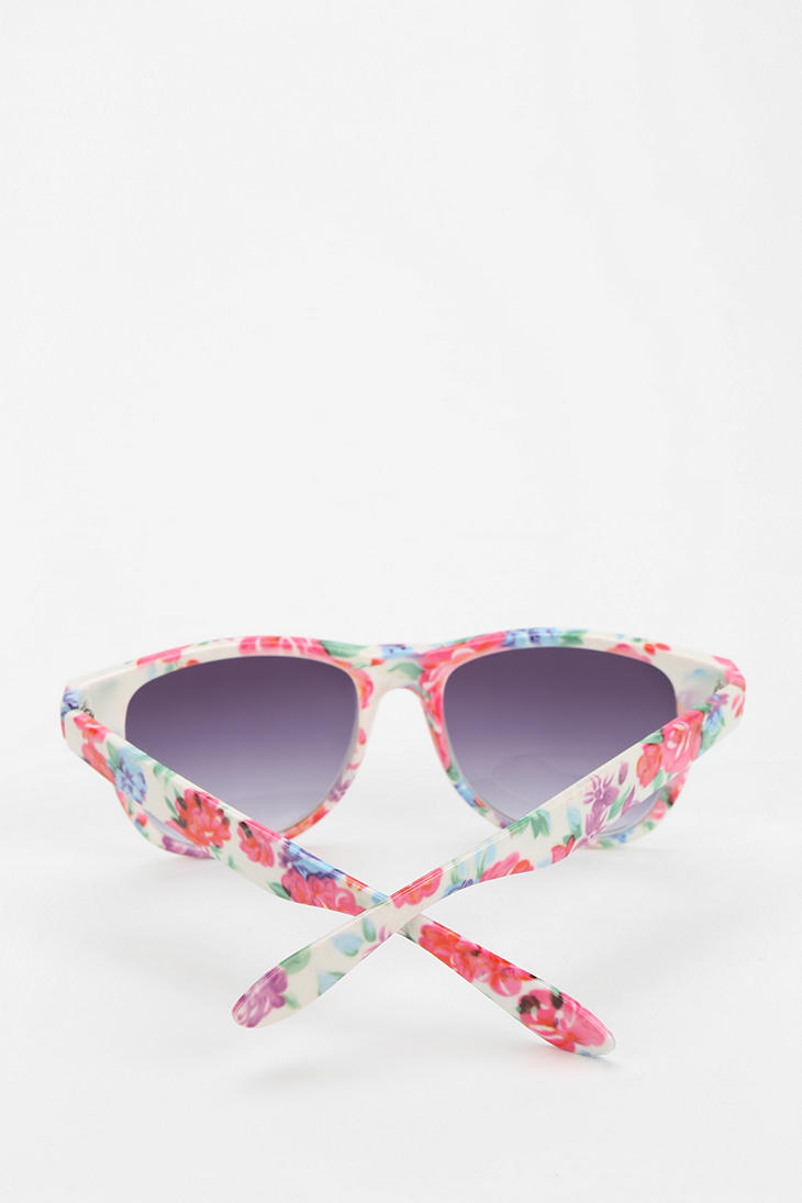 04875c02b4 Urban Outfitters Risky Business Sunglasses - Lyst