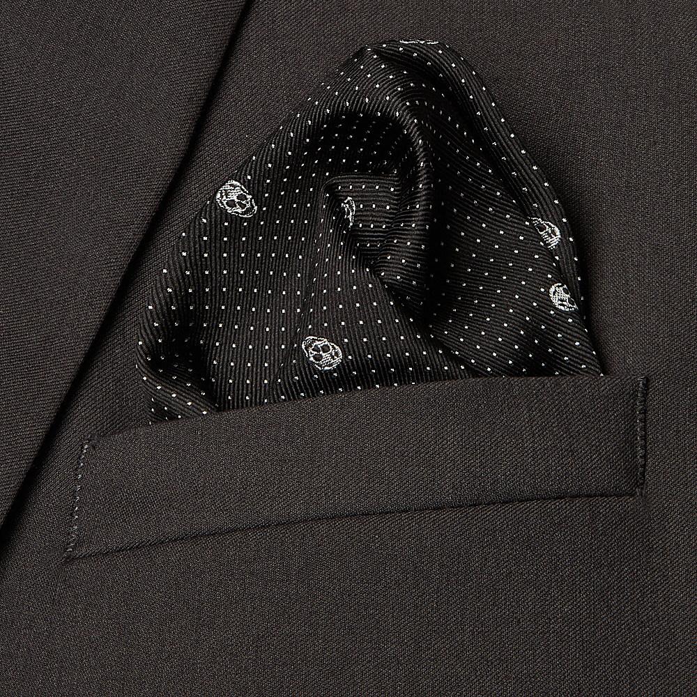 dbed891eaf11b Alexander McQueen Skull Pocket Square in Black for Men - Lyst